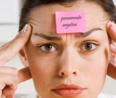 Como libertar-se de pensamentos negativos